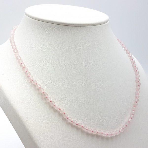Collar de cuarzo rosa y cierre de plata, bolas pequeñas