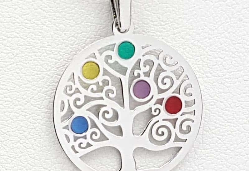 Colgante árbol de la vida fabricado en plata y esmaltes de colores