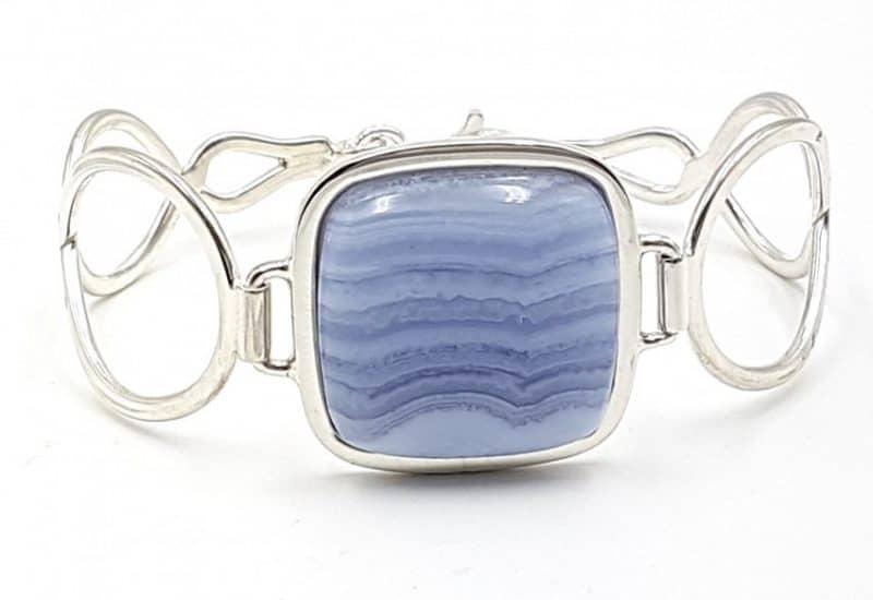 Pulsera de Calcedonia Azul fabricada en plata de ley – cabujón rectangular
