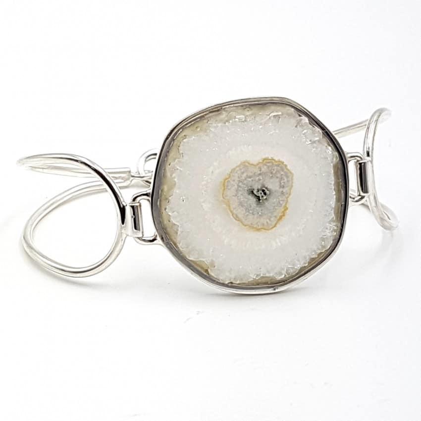 Pulsera con flor de cuarzo en plata