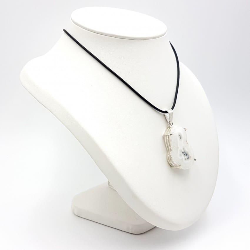 Colgante de flor de cuarzo en plata