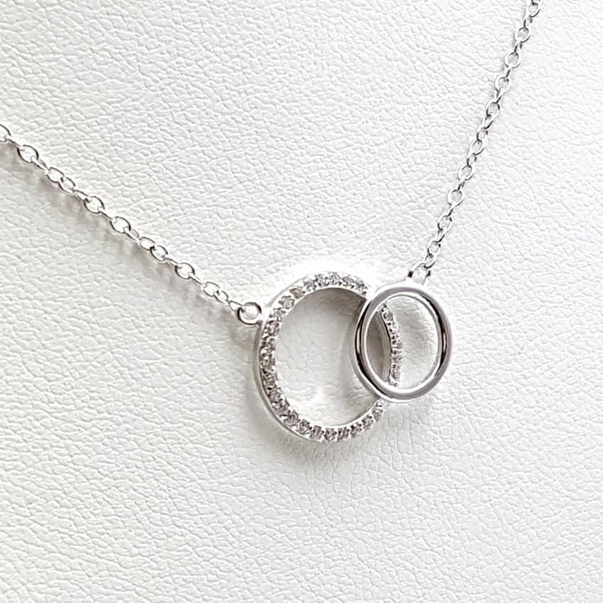 Colgante aros entrelazados con circonitas y gargantilla en plata