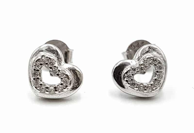 Pendientes corazón con Circonitas fabricados en plata de ley