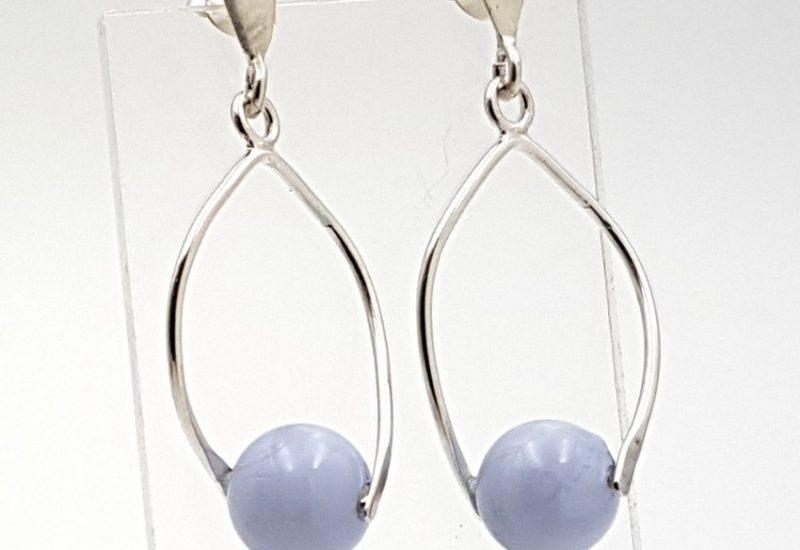 Pendientes de Calcedonia Azul fabricados en plata de ley – bola