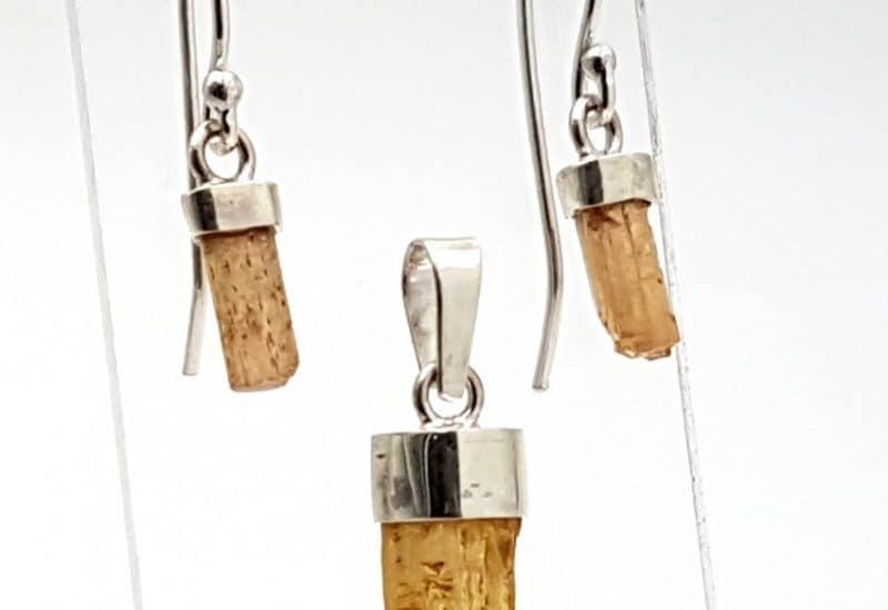 Conjunto de pendientes y colgante de Topacio fabricados en plata de ley