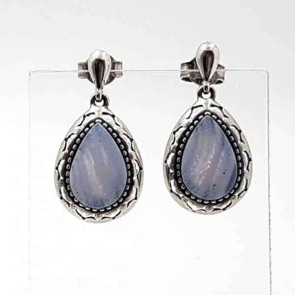 Pendientes con forma de gota en plata y calcedonia azul