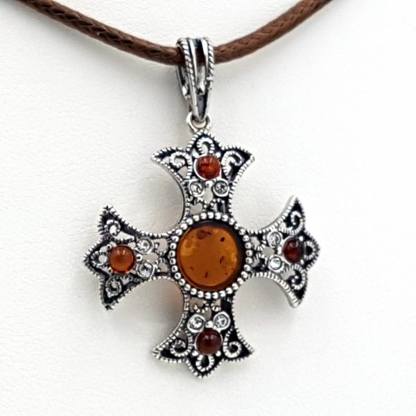 Colgante cruz en plata y ámbar