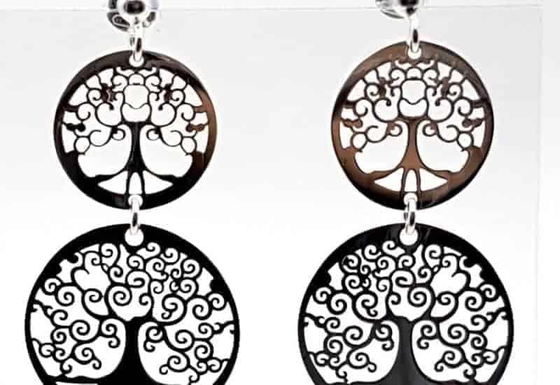 Pendientes fabricados en plata de ley con el Árbol de la vida