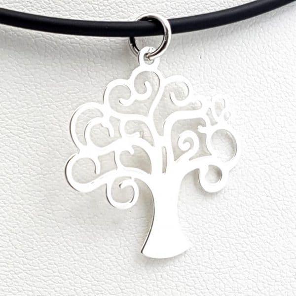 Colgante con el árbol de la vida en plata