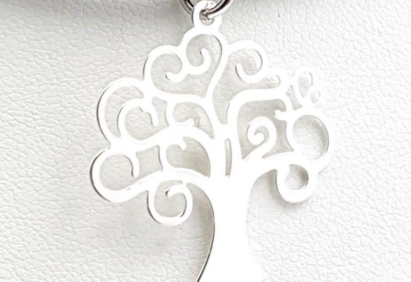 Colgante fabricado en plata de ley con el Árbol de la vida