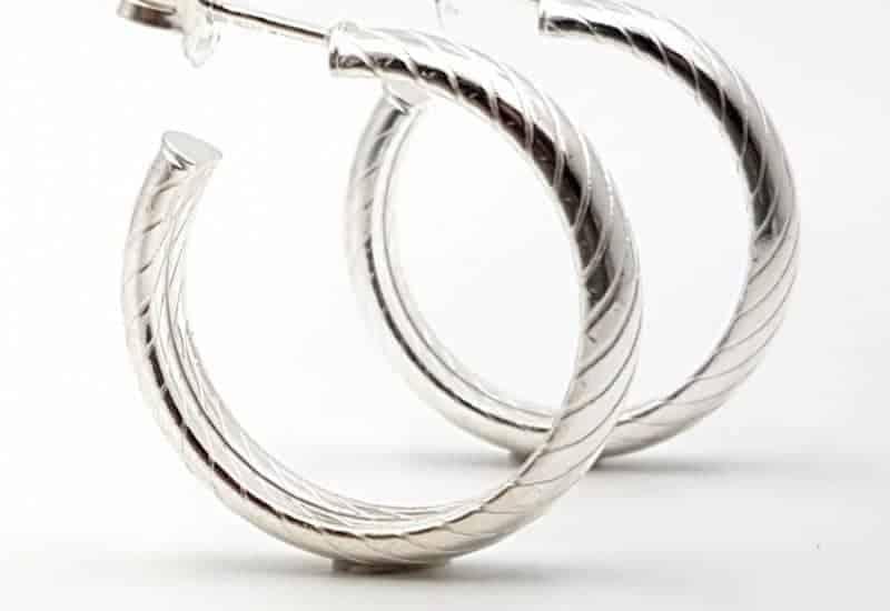 Argollas de media caña fabricadas en Plata