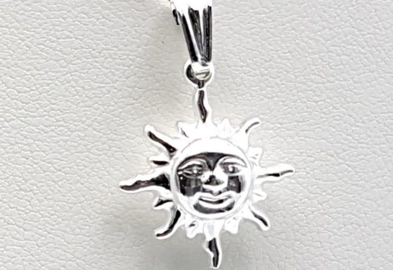 Colgante sol en Plata de Ley 925 mls y gargantilla