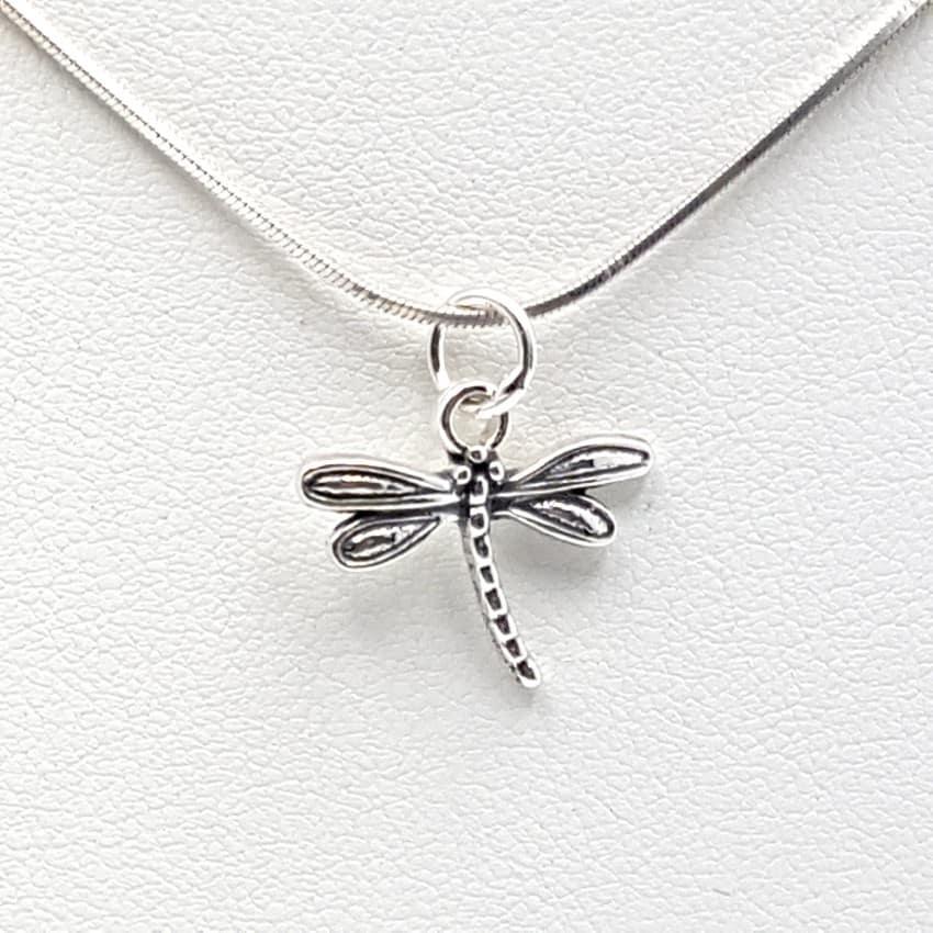 1f04256e37b9 Colgante libélula fabricado en plata de ley 925 mls