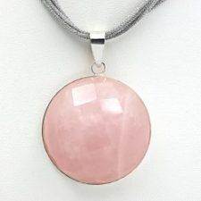 Colgante de cuarzo rosa facetado en plata