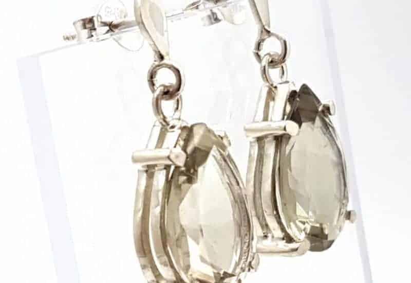 Pendientes en plata y Cuarzo Prasio facetado – forma de gota