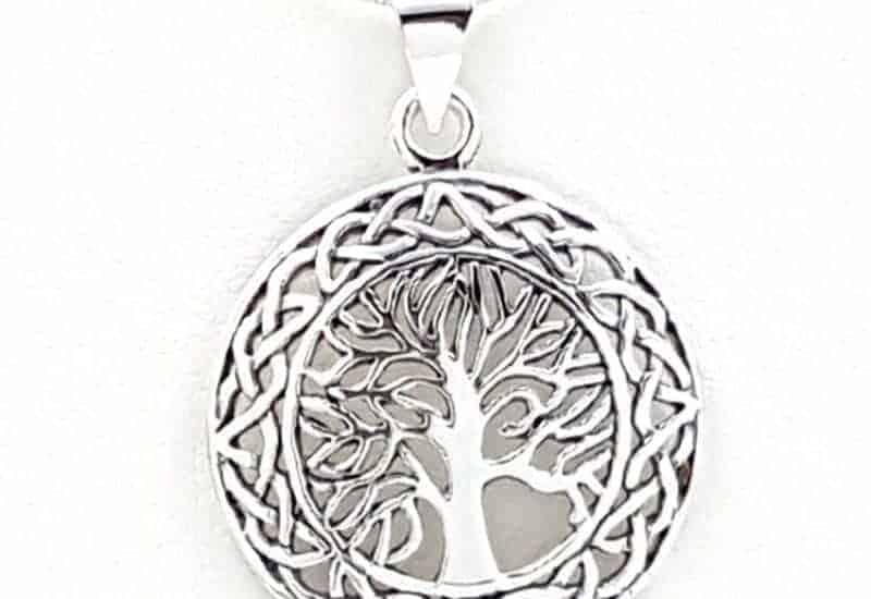 Colgante fabricado en plata con el Árbol de la Vida