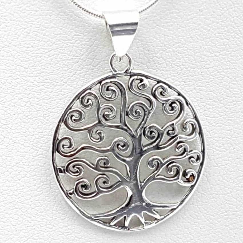 Colgante en plata con el árbol de la vida