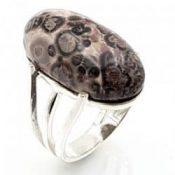 Anillo de jaspe leopardo en plata
