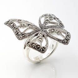 Anillo mariposa en plata con marquesitas