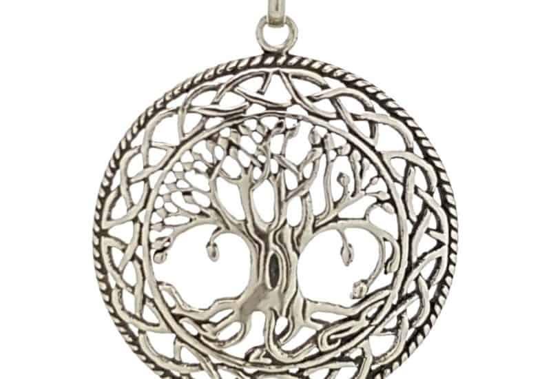 Arbol de la vida en plata de diseño celta.