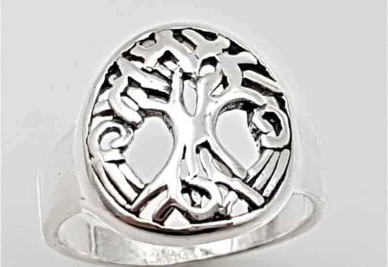 Anillo con el Árbol de la vida fabricado en plata de ley