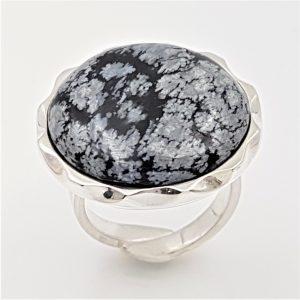 Hermoso Anillo de obsidiana nevada en plata