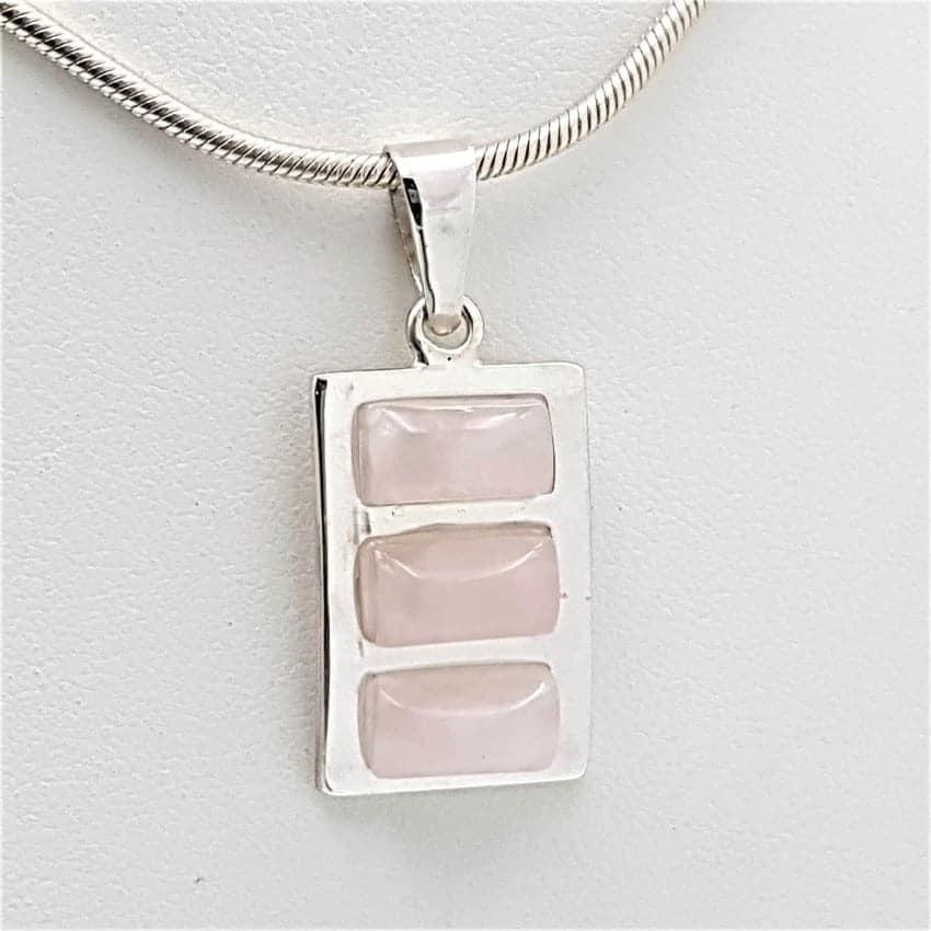 Colgante de cuarzo rosa en plata