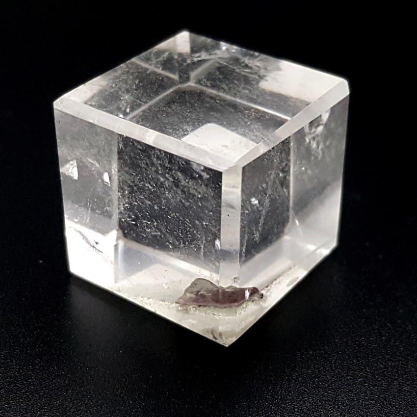 Cuarzo Cristal de Roca en sólido platónico de cubo