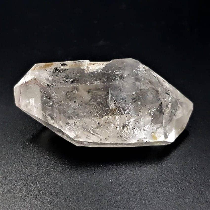 Punta de cuarzo cristal de roca con burbujas