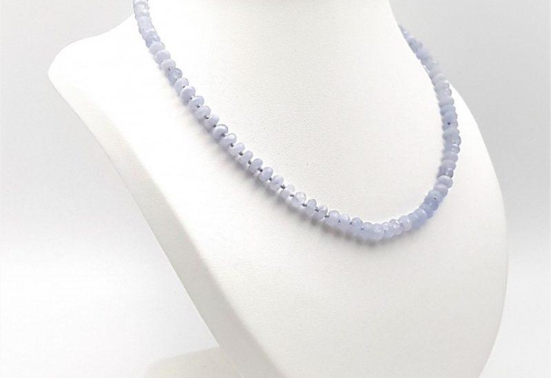 Collar de Calcedonia Azul y cierre de plata – cilindros facetados