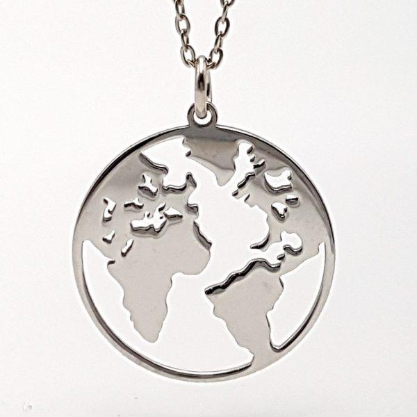 Colgante del mundo y gargantilla en plata con baño de rodio