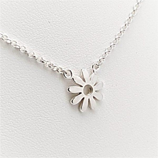 Colgante flor y gargantilla en plata