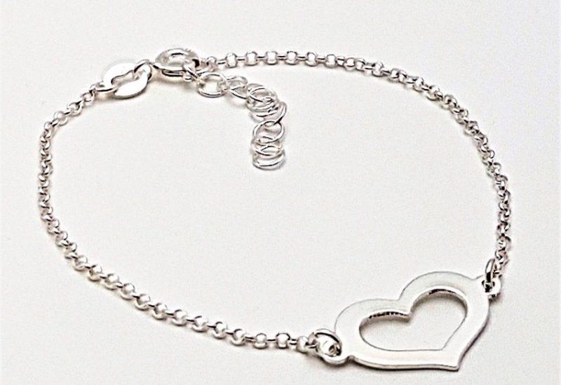 Pulsera con Corazón fabricada en plata de ley 925 mls