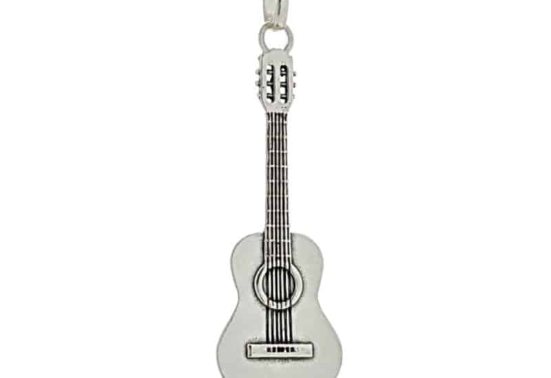 Colgante guitarra clásica Española en plata 925