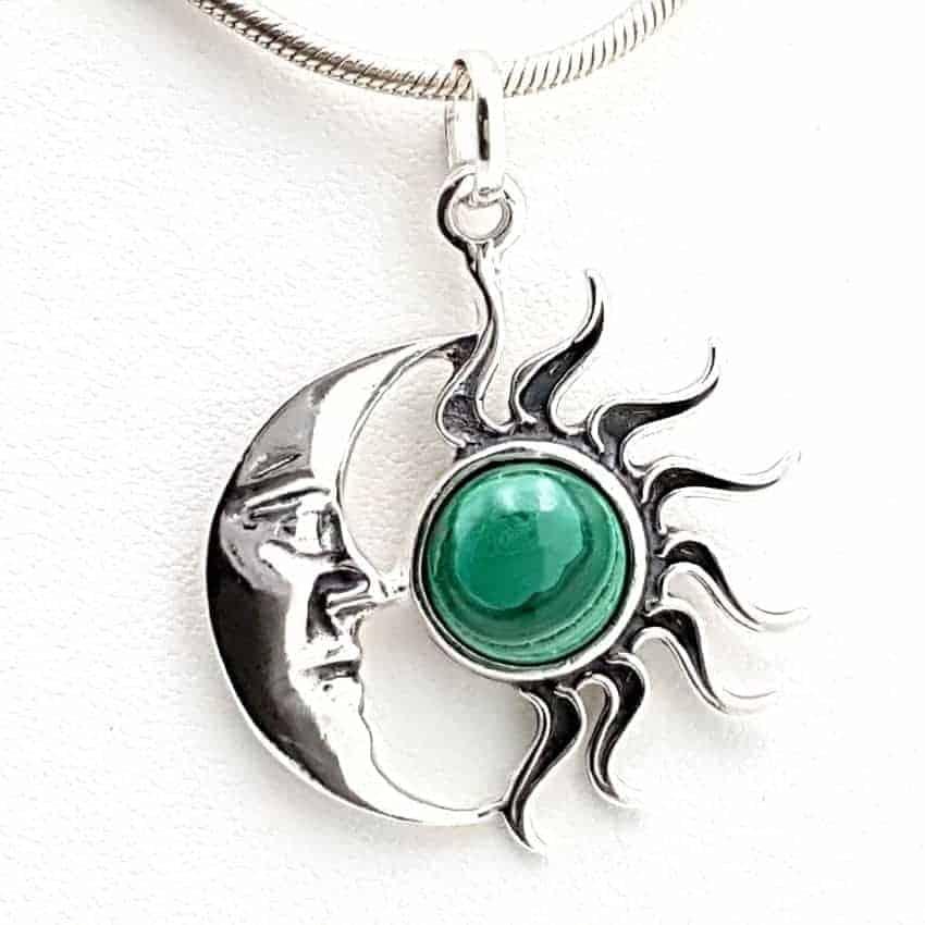 Colgante con malaquita en plata sol y luna