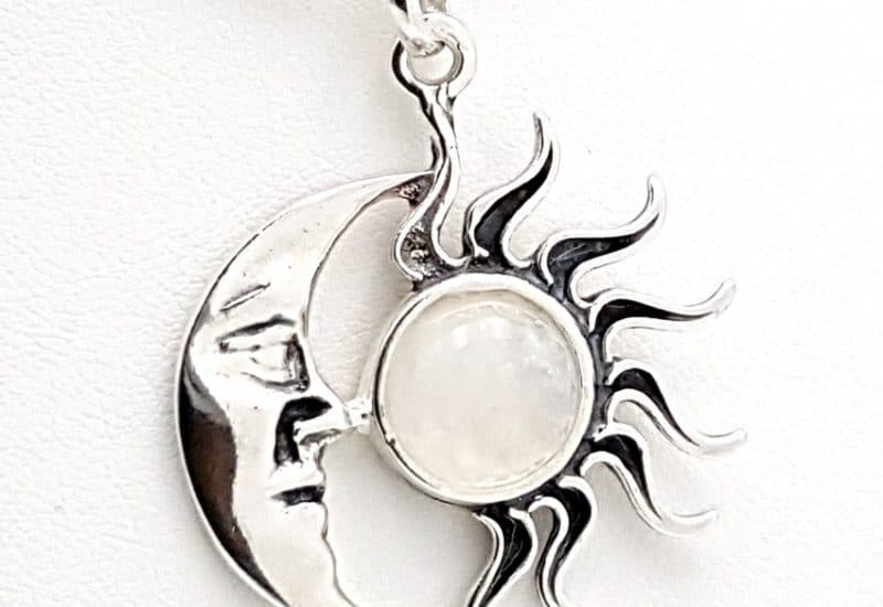 Colgante en Plata de Ley 925 mls y Piedra Luna – Sol y Luna