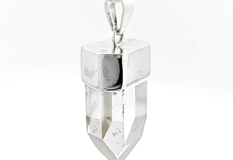Colgante punta de Cuarzo Cristal de Roca montado en plata