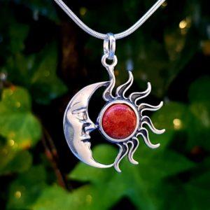 Colgante sol y luna raiz de coral