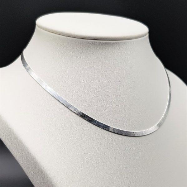gargantilla plana de plata