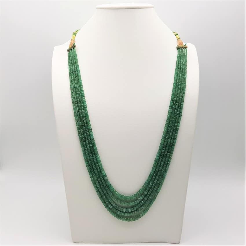 Collar con esmeraldas