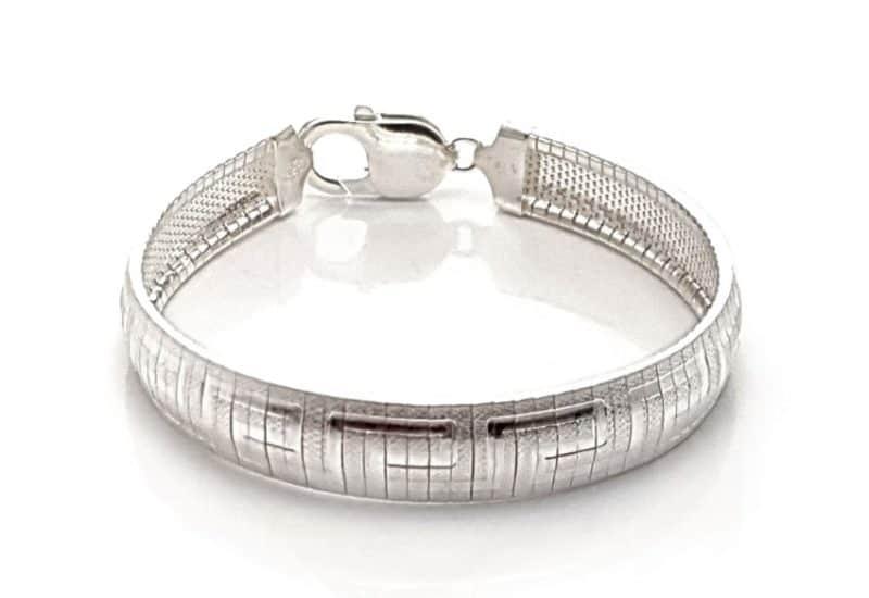 Pulsera de plata semirígida con diseño de greca