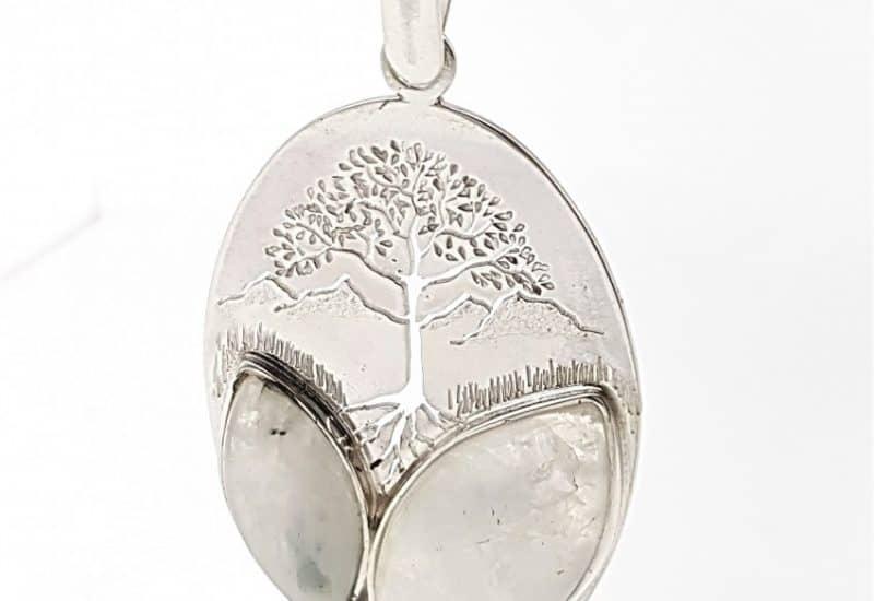 Colgante de Piedra Luna fabricado en plata – árbol de la vida