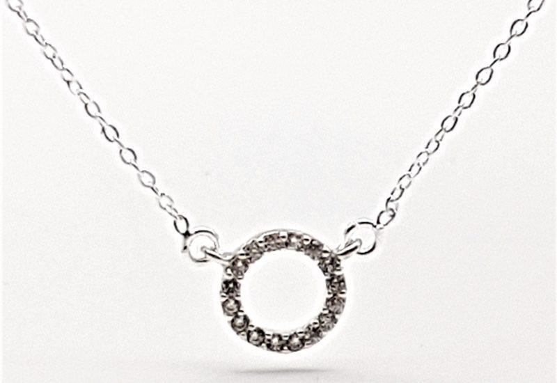 Gargantilla aro pequeño con circonitas en plata