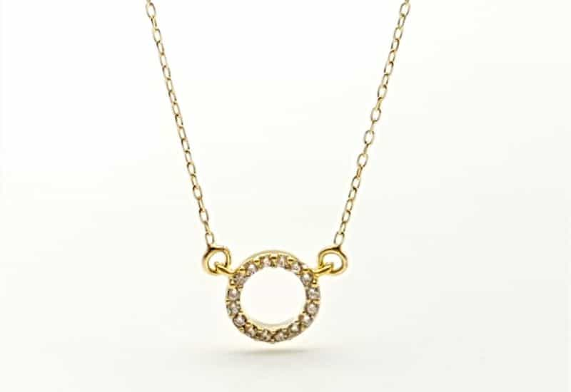 Gargantilla mini aro con circonitas en plata chapada en oro