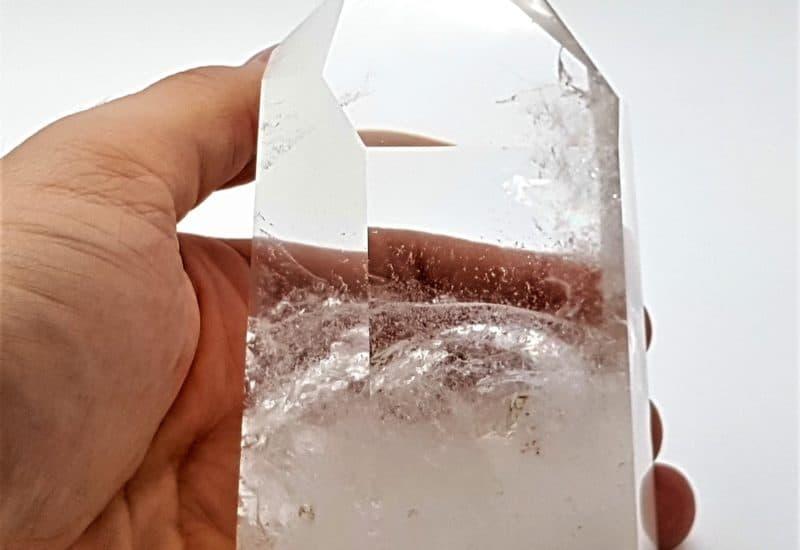 Punta natural de cuarzo cristal de roca