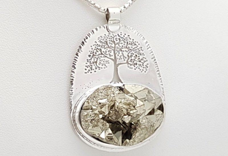 Colgante de Pirita fabricado en plata de ley – árbol de la vida