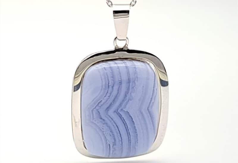 Colgante Calcedonia Azul realizado en plata de ley – cabujón rcetangular