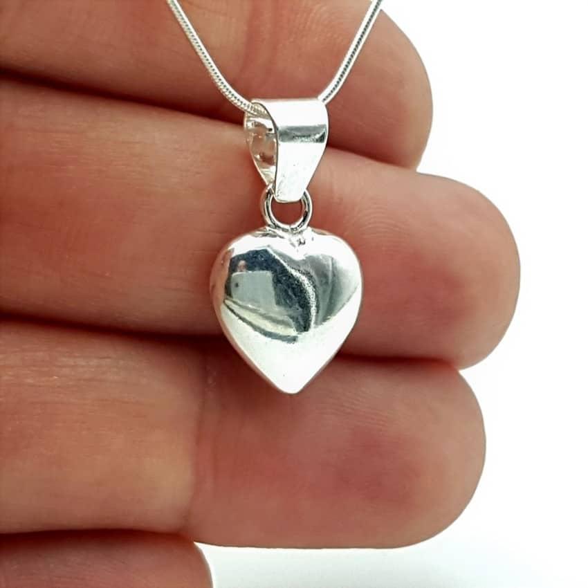 e2e21461ee16 Colgante corazón liso fabricado en plata de ley 925 mls.