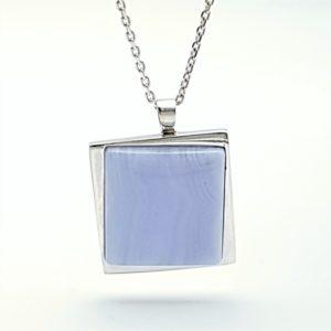 Colgante en plata y Calcedonia Azul - cabujón cuadrado