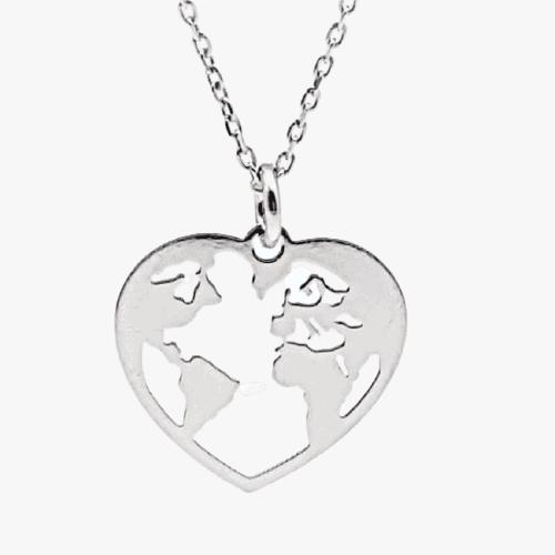 Colgante mapa mundi en corazón y gargantilla fabricados en plata
